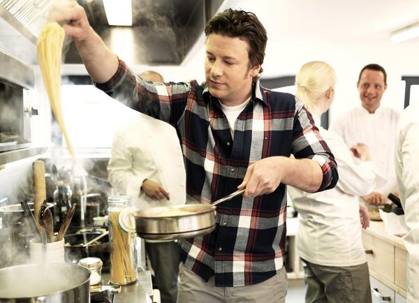 Jamie Oliver cooking spaghetti