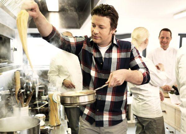 Jamie Oliver cooking spaghetti